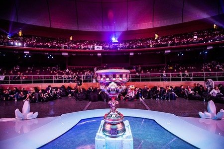 epicenter: MOSCOW, RUSSIA - MAY 14 2016: EPICENTER MOSCOW Dota 2 cybersport event. Main trophy of the tournament.