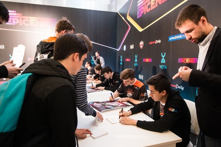 dire: MOSCOW, RUSSIA - MAY 14 2016: EPICENTER MOSCOW Dota 2 cybersport event. Team Virtus Pro God interview.Autograph session of the team virtus pro Editorial