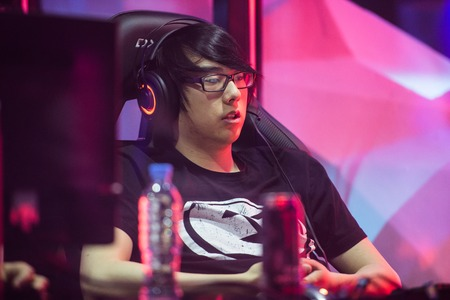 epicenter: MOSCOW, RUSSIA - MAY 14 2016: EPICENTER MOSCOW Dota 2 cybersport event. Evil geniuses player Aui_2000 in the cabin on the stage tired. Editorial