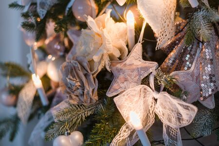leds: Christmas ornaments are decorations usually made of glass, metal, wood or ceramics that are used to festoon a Christmas tree Foto de archivo
