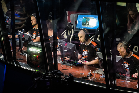 SAINT PETERSBURG, RUSSIA - OCTOBER 28 2017: EPICENTER Counter Strike: Global Offensive cyber sport event. Team virtus.pro at players place: Wictor TaZ Wojtas in focus 報道画像
