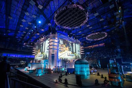 サンクトペテルブルク, ロシア連邦 - 2017 年 10 月 28 日: 震源地カウンター ストライク: グローバル攻勢のサイバー スポーツ イベント。メイン会場と
