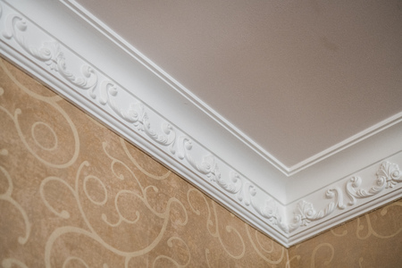 Luxury Home ceiling corner ornamental moulding detail