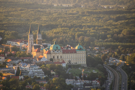 The View of Abbey Klosterneuburg from the Leopoldsberg Hill, Vienna, Austria 스톡 콘텐츠