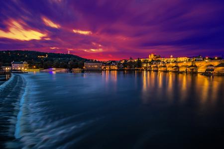Vista sul Castello di Praga e la Città Piccola dal ponte pedonale Novotny