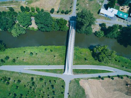 A bridge over the Svratka river at the Komec in Brno. South above, Czech Republic Imagens