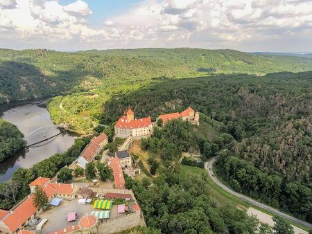 The castle Veveri in Brno Bystrc from above, Czech Republic Standard-Bild - 138746292