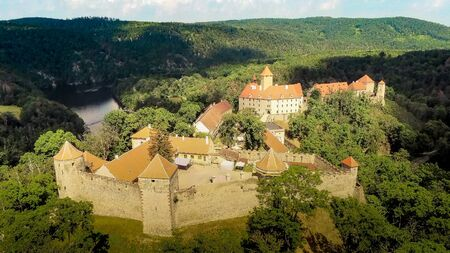 The castle Veveri in Brno Bystrc from above, Czech Republic Standard-Bild - 138746257