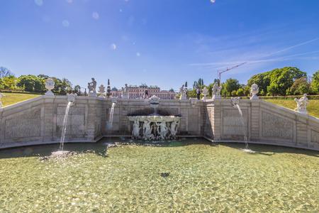 Palace garden of Belvedere in Vienna, Austria Standard-Bild - 128837002
