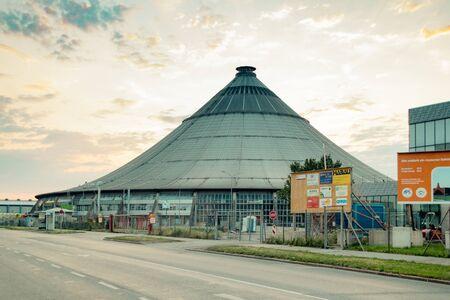 The waste treatment plant Rinterzelt in Vienna, Austria Imagens - 132053606