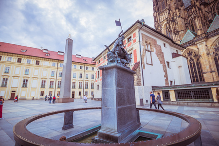The third castle courtyard of Prague Castle at summer in Prague, Czech Republic Imagens - 133425976