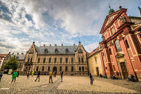 The third castle courtyard of Prague Castle at summer in Prague, Czech Republic Imagens - 133425986
