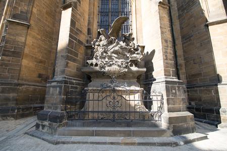 The third castle courtyard of Prague Castle at summer in Prague, Czech Republic Standard-Bild - 133425991