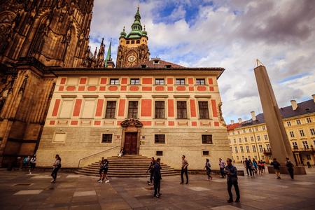 The third castle courtyard of Prague Castle at summer in Prague, Czech Republic Standard-Bild - 133425999