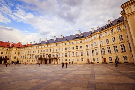 The third castle courtyard of Prague Castle at summer in Prague, Czech Republic Standard-Bild - 133426000
