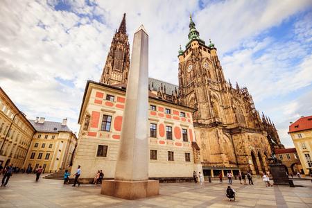 The third castle courtyard of Prague Castle at summer in Prague, Czech Republic Standard-Bild - 133426003