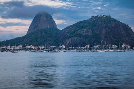 Sugar Loaf Mountain in Summer, Rio de Janeiro, Brazil Standard-Bild - 144797552