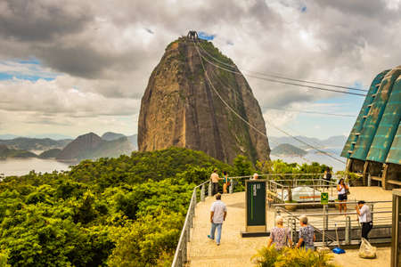 Sugar Loaf Mountain in Summer, Rio de Janeiro, Brazil Standard-Bild - 144817791