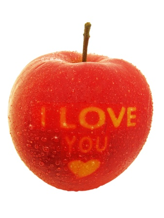 declaracion de amor: manzana roja con I Love You mensaje