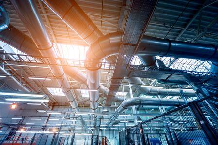 Climatización de edificios. Fondo de tubos de ventilación. Tendido de redes de ingeniería. Fondo industrial