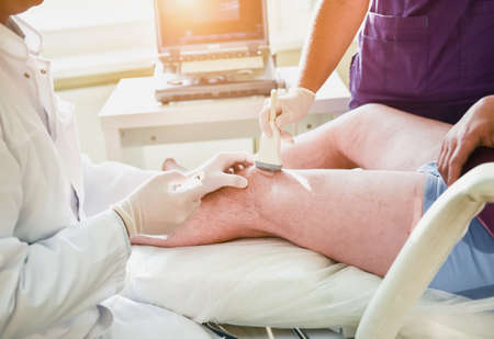 Ultrasound-guided platelet-rich plasma injection of the knee