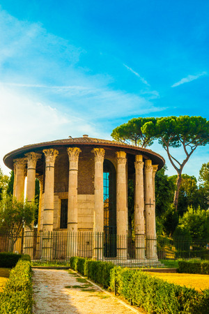 edifice: Temple of Hercules Victor is an ancient edifice, dating from the later second century BC the temple, oldest marble building from Rome. Italy Stock Photo
