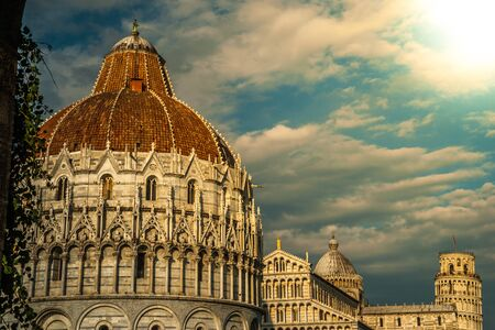 piazza dei miracoli: View of Leaning tower, Baptistery and Duomo, Piazza dei miracoli, Pisa, Italy
