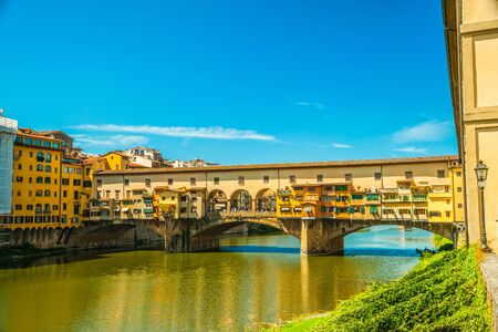 pone: Pone Vecchio over Arno river in Florence, Italy. Beautiful image of italian renaissance architecture. Travel imagery of Italy. Stock Photo