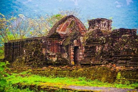 Mon Fils, tamples Ancient hindoues de la culture Cham au Vietnam près des villes de Hoi An et Da Nang. repère célèbre de l'Asie du Sud-Est. Banque d'images - 52616078