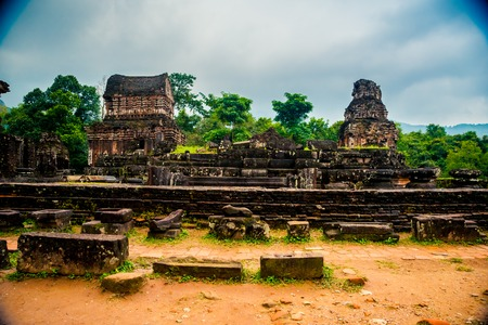 My Son, les Hindou Tamples Antique de Cham culture au Vietnam près des villes de Hoi An et Da Nang. Banque d'images - 53517759