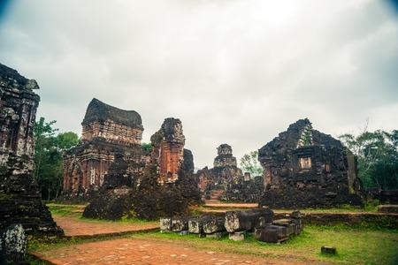 My Son, les Hindou Tamples Antique de Cham culture au Vietnam près des villes de Hoi An et Da Nang. Banque d'images - 56280985
