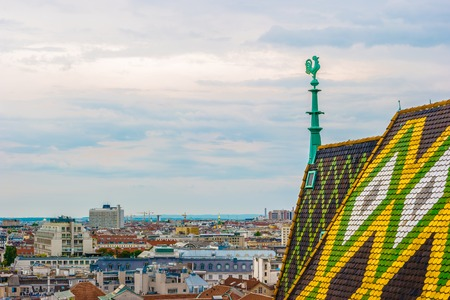 innere: Aerial view over the rooftops of Vienna from the north tower of St. Stephens Cathedral, Austria. Beautiful travel picture.