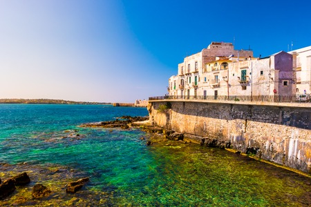 Coast of Ortigia island at city of Syracuse, Sicily, Italy. Banque d'images