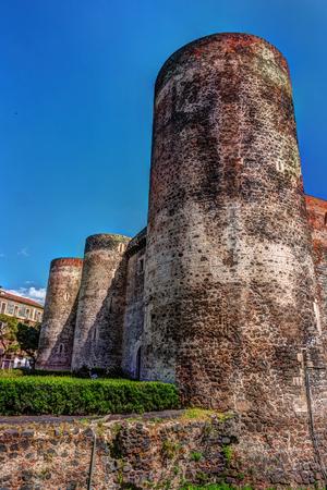 catania: Panorama of the Castello Ursino, also known as Castello Svevo di Catania, is a castle in Catania, Sicily, southern Italy.