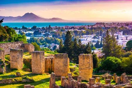 古代遺跡カルタゴと風景とビュルサの丘からの眺め。