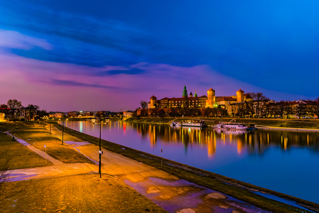 Royal castle of the Polish kings on the Wawel hill Imagens