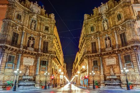 Centrale vierkante Quattro Canti in Palermo, Italië.