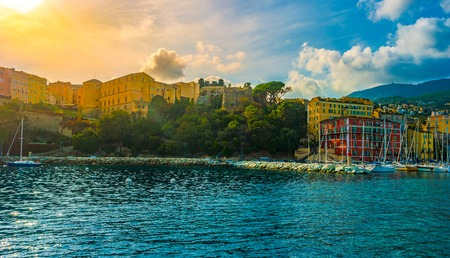 Bastia old city center, lighthouse and harbour. 免版税图像