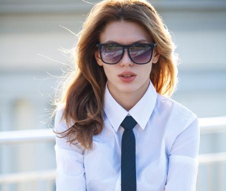 neckties: Adolescente fines j�venes y tentadora con resaca