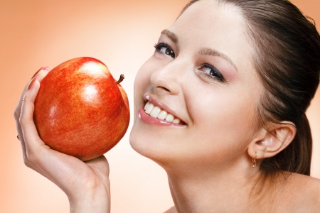 appealing: Appealing woman with apple
