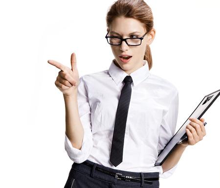 Het mooie meisje gebaren - Portret van sexy jonge zakenvrouw over witte achtergrond Stockfoto