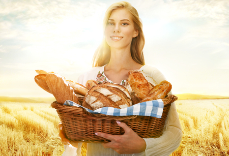 viable: Viable woman with bread and rolls