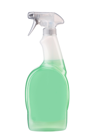Plastic dispenser with green cleaning liquid - studio photography of spray multipurpose cleaner - isolated on white background Banque d'images