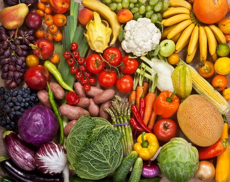 verduras: Superfood fondo - fotografía de alimentos de frutas maduras en el mercado