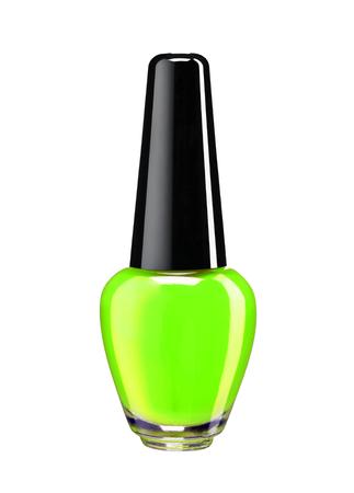 Fles van groene nagellak - studiofotografie van nagellak fles met zwarte lak kap over witte achtergrond