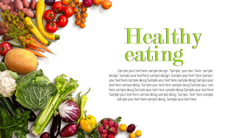 frutas: Saludable comer fondo - estudio fotográfico de diferentes frutas y verduras en el contexto blanco Foto de archivo
