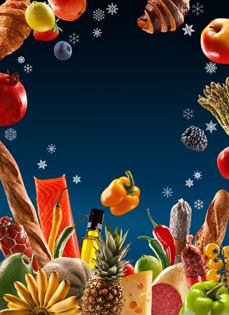 aliments: Prime alimentaire - la photographie de studio de d�licieuses denr�es alimentaires - isol� sur fond bleu Banque d'images