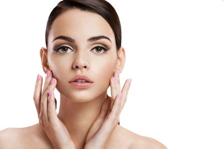 belle brune: Beauty woman portrait d'adolescente avec une peau propre