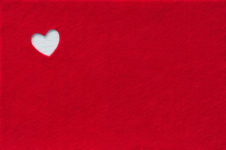 Rote Filz mit Herz.