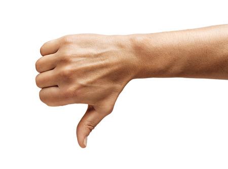 Die Hand des Mannes zeigt Daumen nach unten isoliert auf weißem Hintergrund. Negatives Konzept. Nahansicht. Hochauflösendes Produkt.